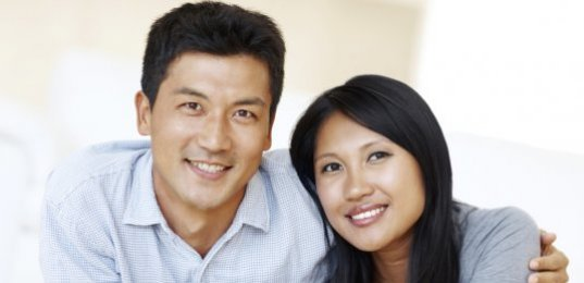 should a man help his girlfriend financially